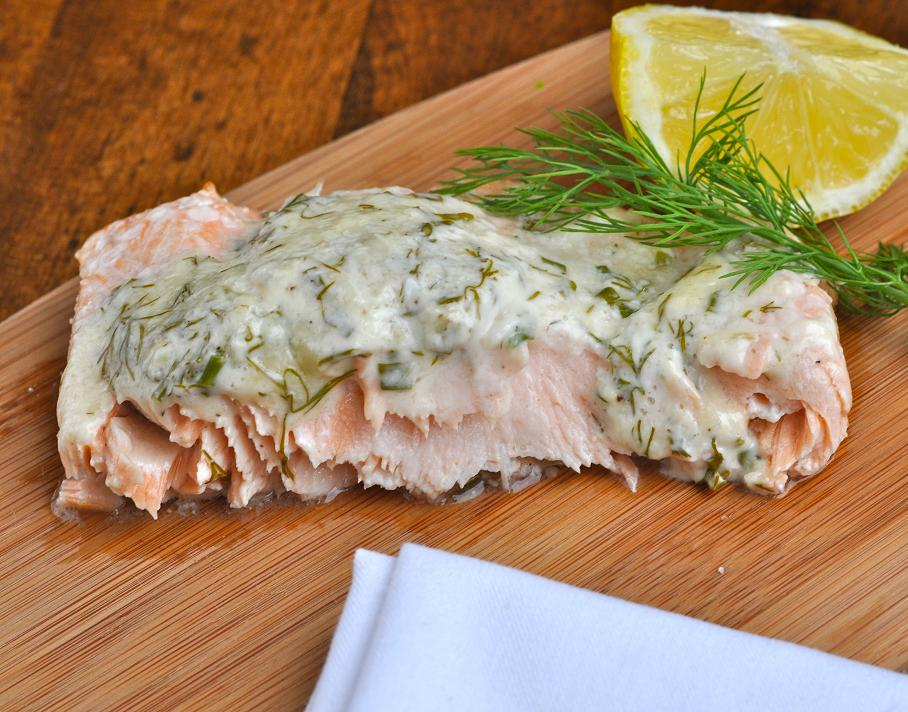 Salmon with white wine sauce