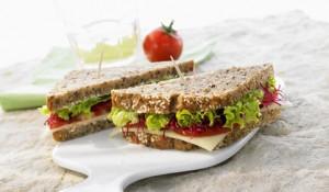 Сендвич с овечьим сыром