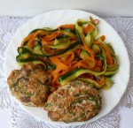 Рыбные котлеты с овощами и спагетти