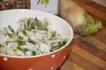 Простой диетический салат из дайкона