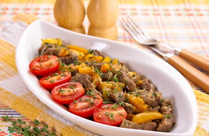 Fried beef with Bulgarian pepper