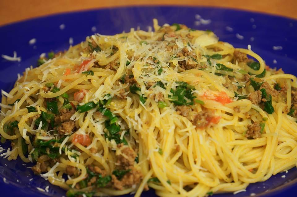 Спагетти со шпинатом и мясом