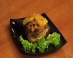 Мясо с черносливом и ананасом