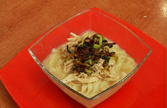 Kalkuksu  chicken soup with noodles