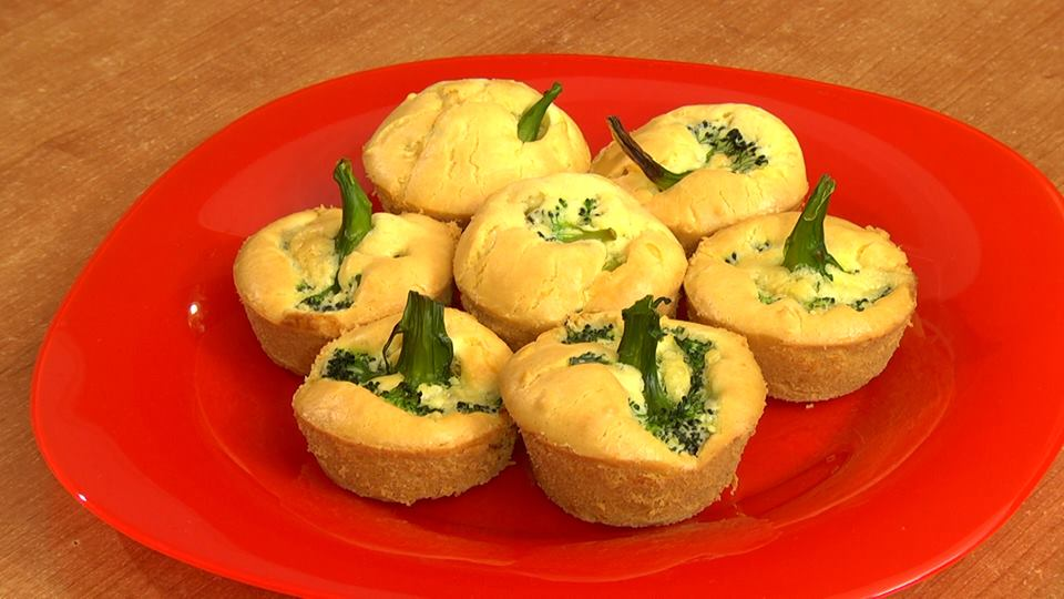 Maffin with broccoli