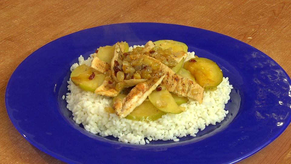 Chicken breast meat with apple